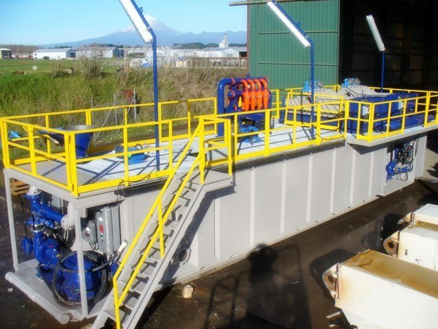 Mud recycling systems solids control